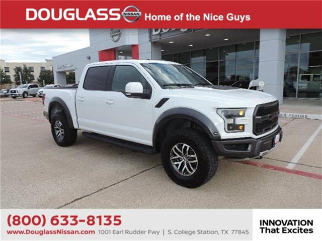 Pre-Owned 2017 Ford F-150 Raptor 4x4 SuperCrew Cab Styleside 5.5 ft. box 145 in. WB