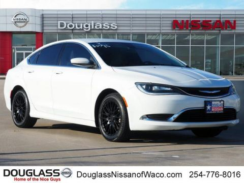 Pre-Owned 2016 Chrysler 200 Limited Front-wheel Drive Sedan